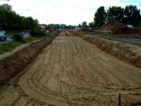Уплотнение грунта в дорожном корыте